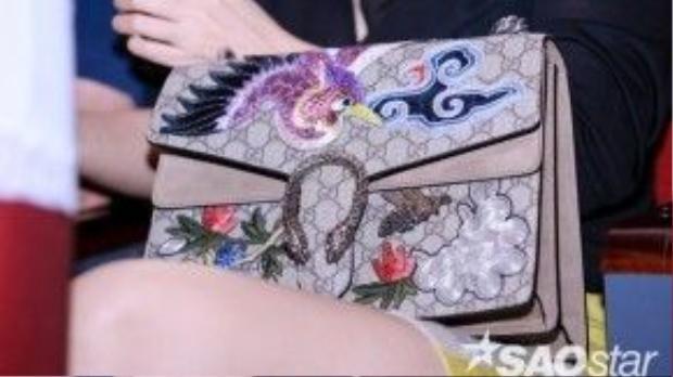 Chiếc túi có giá bán 3.800 USD (khoảng 87 triệu đồng).