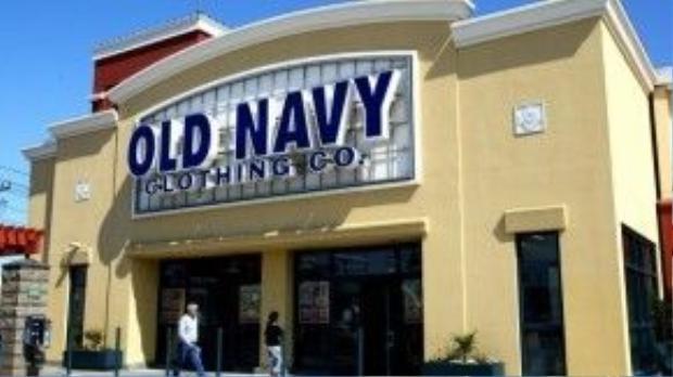 Old Navy là thương hiệu thời trang ra đời năm 1994, thuộc tập đoàn bán lẻ GAP hàng đầu của Mỹ. Old Navy chú trọng vào các mặt hàng thời trang dành cho những người trẻ tuổi, đặc biệt là trẻ em bao gồm chủ yếu là sản phẩm quần áo, đầm váy nên thường có màu sắc vui tươi, trẻ trung.