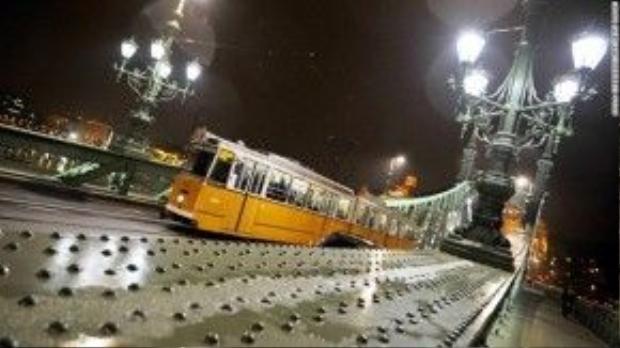 Nhiều xe điện hơn trong thành phố: Hãy nhân bản phương tiện này tại tất cả các quốc gia trên thế giới. Chúng tôi cực kỳ thích xe điện!