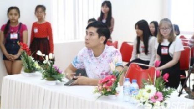 Nhạc sĩ Hồ Hoài Anh tiếp tục đồng hành cùng các thí sinh miền Nam.