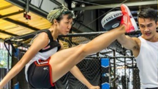Suboi tập boxing và crossfit chuẩn bị cho chuyến thám hiểm Sơn Đoòng.