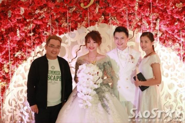 Hé lộ hình ảnh hiếm hoi trong đám cưới bí mật của Nam Cường