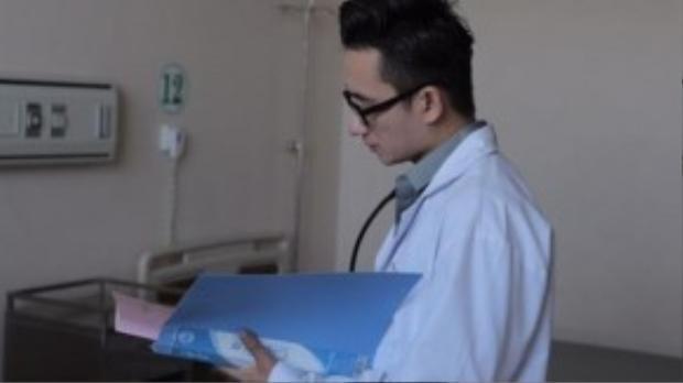 Tạo hình của Phan Mạnh Quỳnh trong phim.