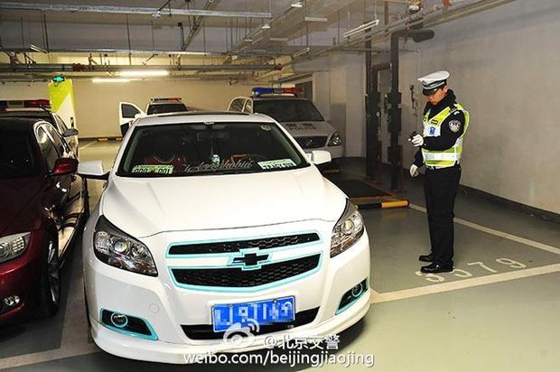 Dân chơi Bắc Kinh tổ chức ngày hội siêu xế độ bí mật dưới tầng hầm