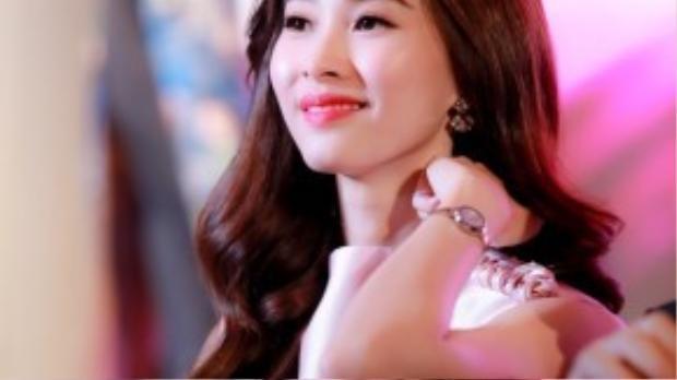Chia sẻ về vai trò mới này, Hoa hậu Việt Nam 2012 cho biết bản thân không tránh khỏi những áp lực nhưng hứa sẽ cố gắng hết mình để cùng các thành viên còn lại trong ban giám khảo tìm ra người đẹp xứng đáng nhất, đúng như sự kỳ vọng của công chúng.