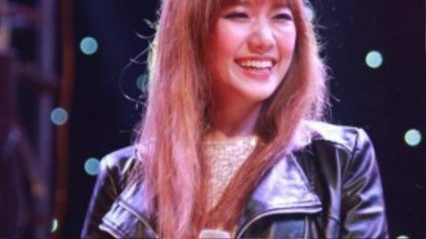 Bức hình Hari Won cười tươi trên sân khấu được người này đính kèm thay cho mong ước được thấy cô trở lại như lúc xưa.