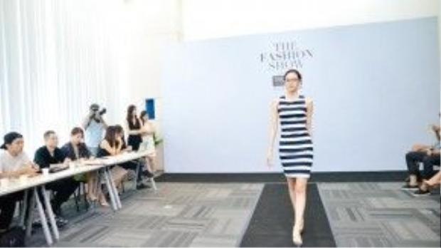 """""""The Fashion Show"""" là đêm diễn quy mô đầu tiên trong năm 2016 trong làng thời trang Việt. Show diễn có sự góp mặt của 5 nhà thiết kế trẻ tài năng như Võ Công Khanh, Đặng Hải Yến, Tùng Vũ, Phi Phạm, Nguyễn Hoàng Tú."""