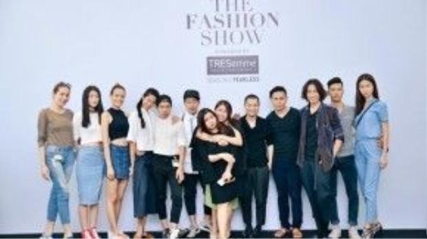 Show thời trang khủng này dự đoán sẽ mang lại nhiều điều bất ngờ cho người hâm mộ và đưa thời trang Việt lên tầm cao mới.