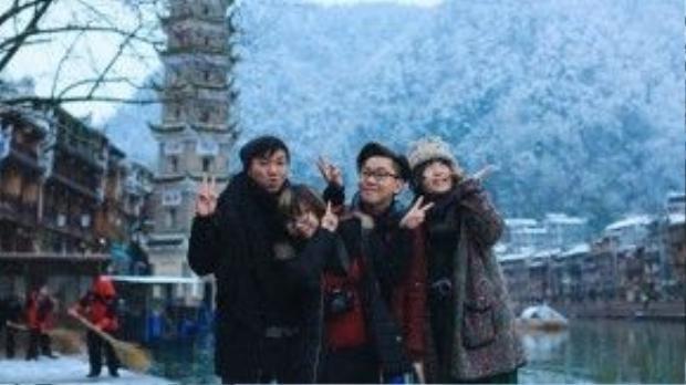 Nhóm bạn của Trần Thiện Chí khởi hành từ TP HCM đi Hà Nội - Nam Ninh - Hồ Nam trong 8 ngày.