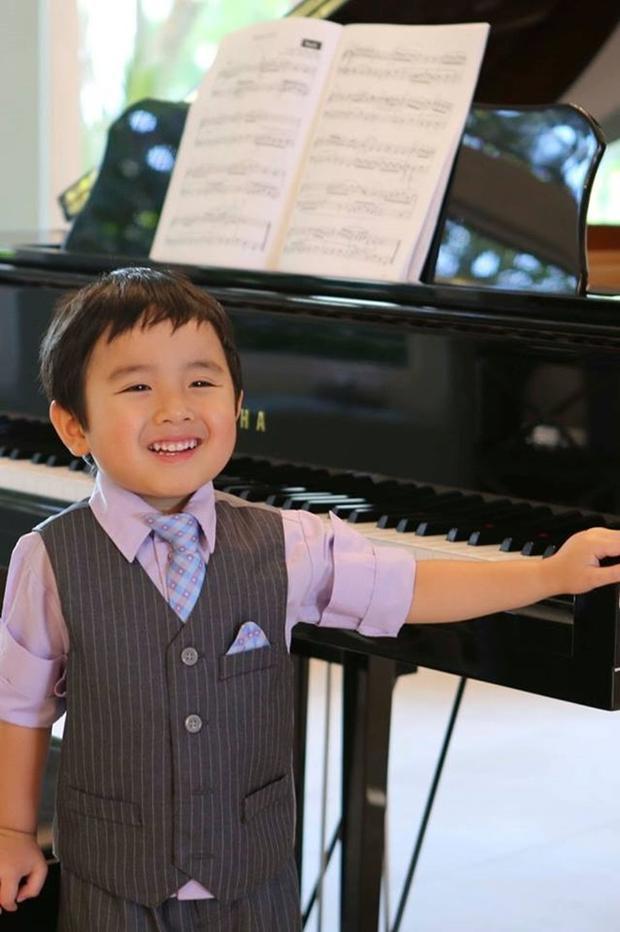 Thần đồng piano 4 tuổi gốc Việt: Màn biểu diễn gây sốt trên truyền hình Mỹ