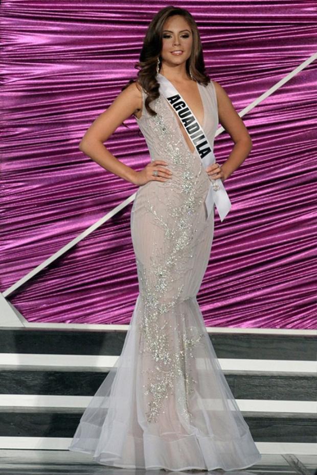Hoa hậu Puerto Rico bị tước vương miện vì lí do lãng xẹt