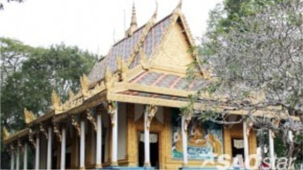 Chùa Mahatup tọa lạc ở phường 3, TP Sóc Trăng (tỉnh Sóc Trăng) là ngôi chùa cổ được xây dựng trên 400 năm, chánh điện trùng tu nhiều lần. Người dân Sóc Trăng còn gọi chùa này với tên là Mã Tộc hoặc phổ biến nhất là chùa Dơi bởi trước đây có hàng chục nghìn con dơi cư ngụ tại đây.