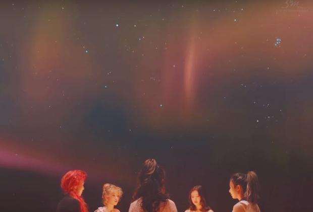 Rộ lên nghi vấn MV mới của Red Velvet ám chỉ vụ chìm phà Sewol?