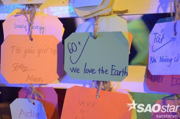 Giới trẻ Hà thành hào hứng tham gia chiến dịch Giờ Trái đất