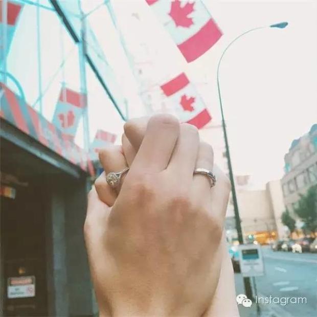 Trào lưu Nắm tay nhau đi khắp thế gian phiên bản giấu mặt, giấu người