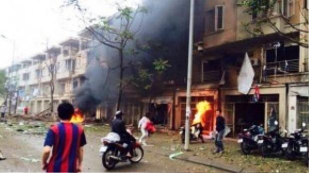 Lúc 15h15 ngày 19/3, tại nhà 15 TT19, khu đô thị Văn Phú, quận Hà Đông, Hà Nội xảy ra một vụ nổ lớn làm 4 người thiệt mạng, nhiều người bị thương.