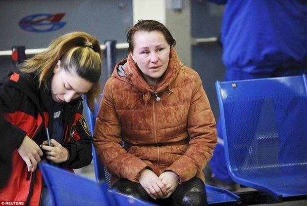 Chùm ảnh xé lòng về thảm kịch máy bay Dubai rơi tại Nga