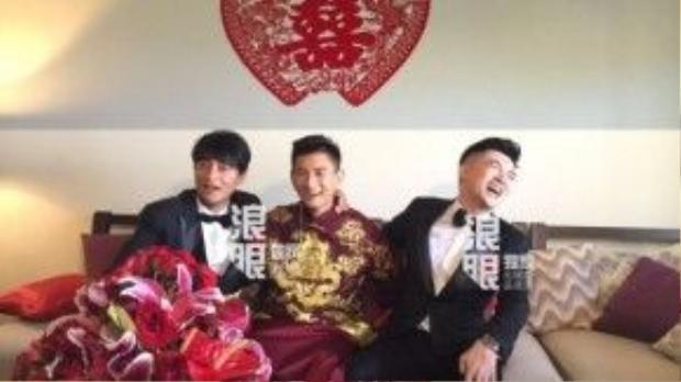 Bộ ba Tiểu Hổ đội vui vẻ trước ống kính. Đây là lần hiếm hoi nhóm nhạc năm nào của Đài Loan tái ngộ.