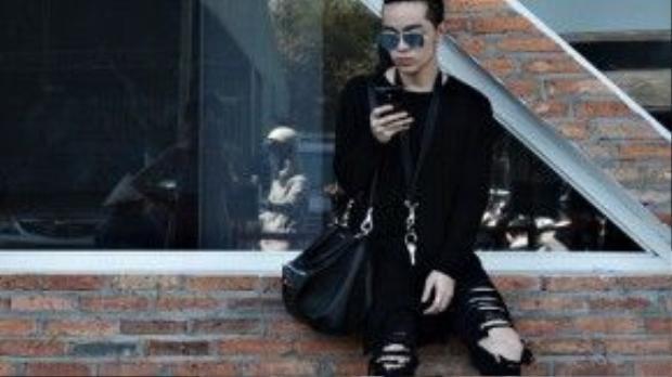 Fashionisto Kelbin Lei vẫn trung thành với phong cách cực cool thường ngày.