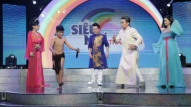 """""""Hội nhà tiên"""" cùng lên sân khấu để học nhảy từ bé Minh Khang."""