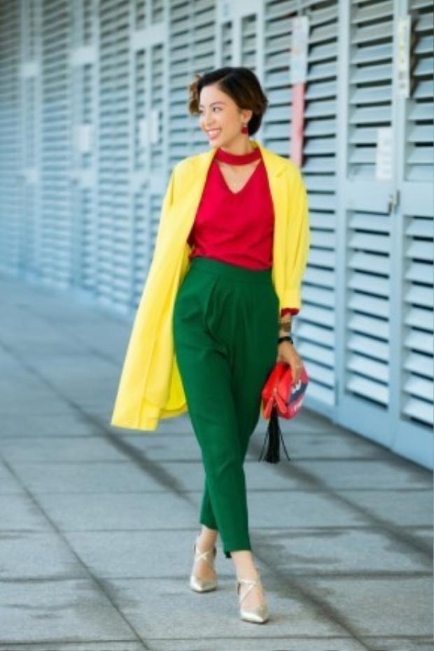 Hãy làm mới mình với phong cách màu neon đầy nổi bật như cô ấy.
