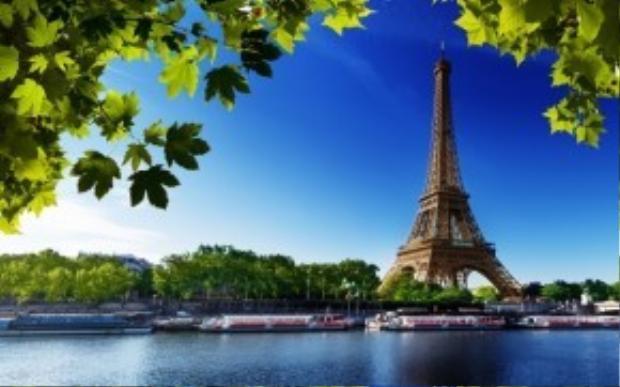 Thành phố Paris lung linh trong ánh nắng xuân ấm áp sẽ không còn là một viễn cảnh xa xôi khi bạn đã sở hữu một cặp vé khứ hồi siêu rẻ để đặt chân đến nước Pháp hoa lệ.