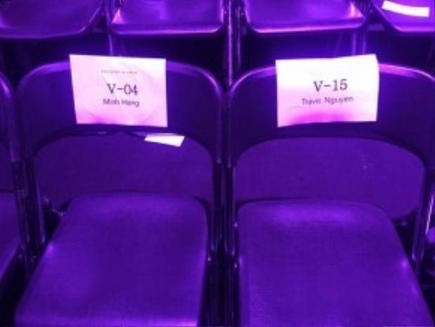 Ghế hàng VIP có ghi tên 2 Minh Hằng và Travis Nguyễn.