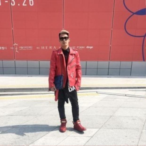 """Trở về từ Milan fashion week, Travis Nguyễn hoàn thành xuất sắc với vai trò stylist của Noo trong đêm chung kết The Remix siêu ấn tượng. Tham gia Seoul fashion week lần này khiến anh thoải mái hơn và chuyên tâm làm đẹp cho """"người tình không bao giờ cưới"""" - Minh Hằng."""