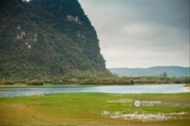 Cảnh thanh bình ở hồ Yên Phú.