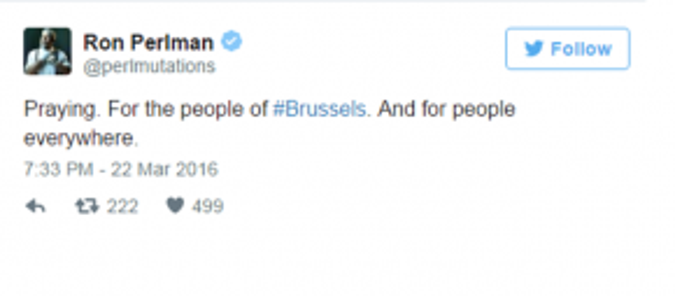 """Một người dùng Twitter viết: """"Cầu nguyện cho những người dân #Brussels và cho tất cả mọi người ở khắp mọi nơi""""."""