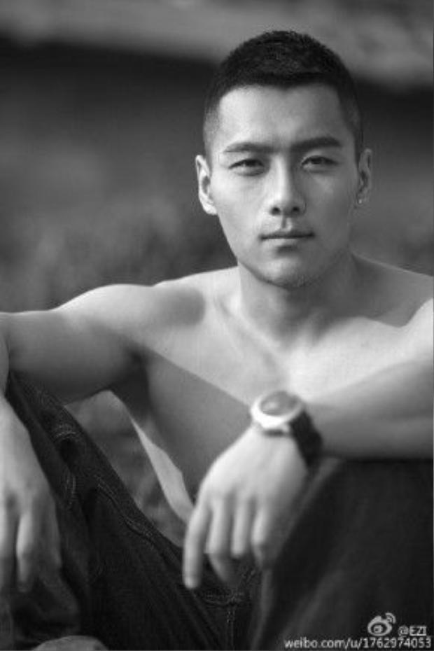 """""""Khuôn mặtlạnh lùng nhưng vô cùng ấm áp"""" là một trong những đặc điểm khiến Cố Hải được xem như chàng trai hoàn hảo bất chấp giới tính."""