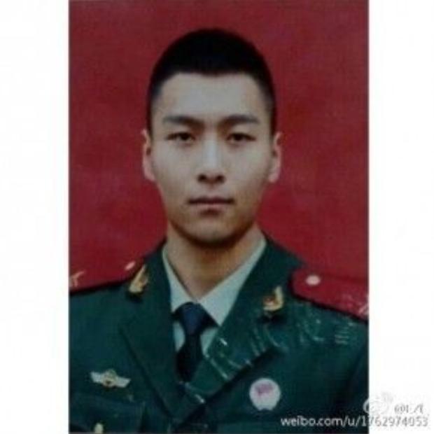 Chàng quân nhân có gương mặt phảng phất hình ảnh Hoàng Cảnh Du, nam chính Thượng Ẩn.