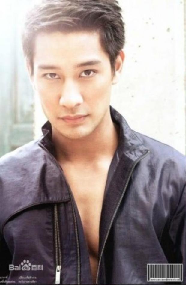 Cùng sự xuất hiện của chàng diễn viên điển trai người Thái Pong Nawat trong vai Ảnh đế Tạ Di