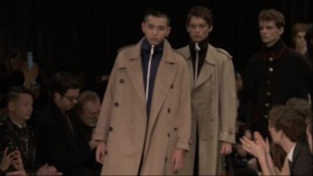 Ngô Diệc Phàm làm người mẫu cho nhãn hiệu Burberry tại Menswear Show.