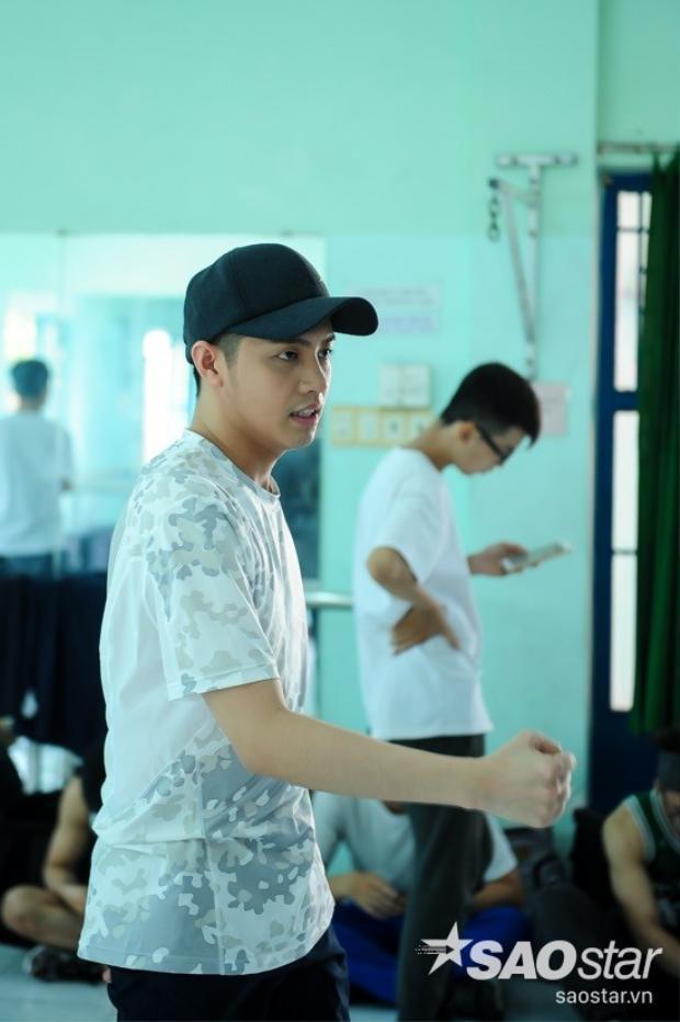 Noo Phước Thịnh miệt mài chuẩn bị cho tiết mục cuối cùng tại The Remix 2016