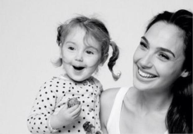 Với Gal Gadot, cô con gái nhỏ là cả thế giới của mình.