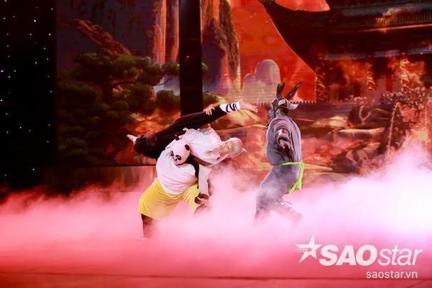 Liveshow 5: S.T (365) được lòng cả giám khảo và khán giả, Khả Ngân dừng cuộc chơi