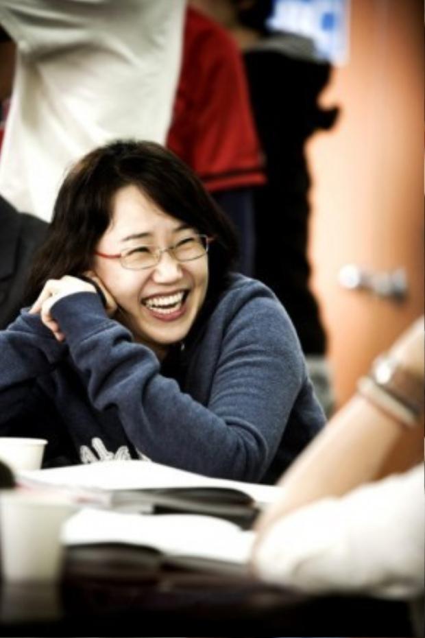 """Chân dung """"biên kịch vàng"""" Kim Eun Sook, """"mẹ đẻ"""" của hàng loạt siêu phẩm truyền hình Hàn như Secret Garden, The Heirs, Hậu duệ Mặt trời…"""