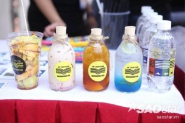 Những vật dụng nhỏ xinh như chai, ly nước được in logo này cũng hút mắt và được yêu thíchkhông kém.