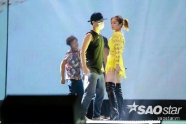 Hương Tràm đến với đêm Gala bằng ca khúc của nhạc sĩ Only C - Sẽ thôi chờ mong.