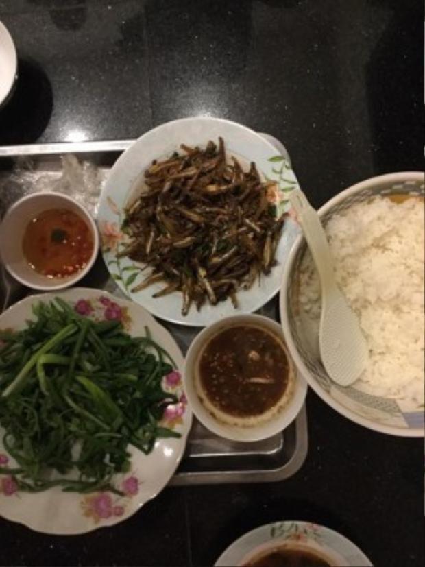 Cách đây không lâu, Hoài Linh từng chia sẻ, sở thích của mình chỉ đơn giản là các món ăn dân dã, quen thuộc từ bé.