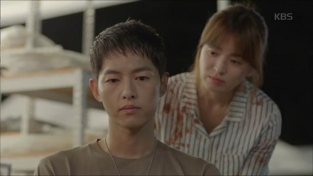 Song Joong Ki sau nửa thập kỷ  Từ trai đẹp hơn hoa đến quân nhân vạn người mê