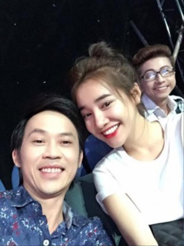 Ảnh danh hài Hoài Linh với Nhã Phương chụp khi đang quay phim tại TP HCM cách đây 4 ngày.