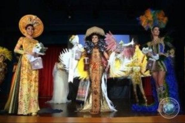 Top 3 gương mặt đại diện cho Việt Nam, Indonesia, Brazil.
