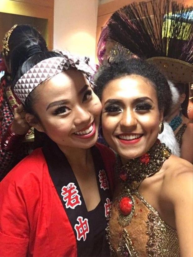 Yếu tố nào của quốc phục giúp Khả Trang tỏa sáng tại Miss Eco Universe 2016