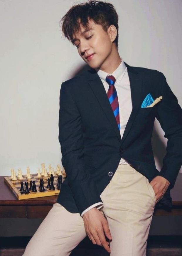 Hotboy dao kéo, bạn thân Angela Phương Trinh đại diện Việt Nam thi Mister Global
