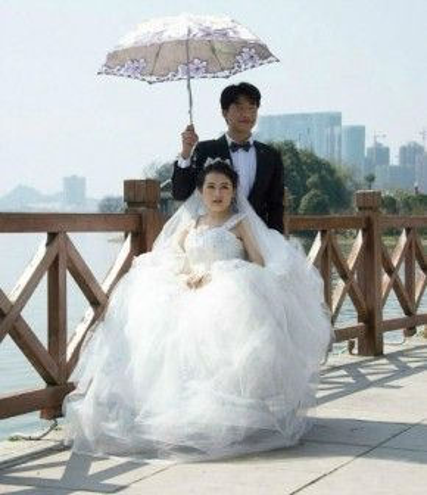 Xiao Yi quen bạn trai cách đây 4 năm và họ bắt đầu nói lời yêu đương từ 2 năm trước đây.
