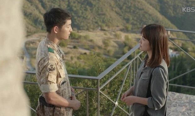 Tập 12: Fan la làng vì nụ hôn có-như-không cặp đôi Hậu duệ mặt trời