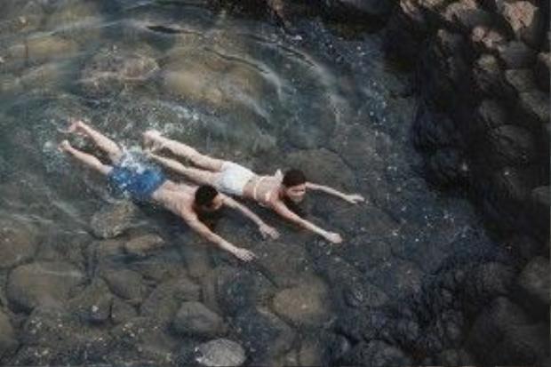 Cùng hòa mình vào những dòng nước mát lạnh.