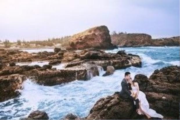 Cảnh thiên nhiên hùng vĩ giúp tình yêu thêm phần lãng mạn.
